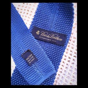 Brooks brothers square end, knitted silk tie.